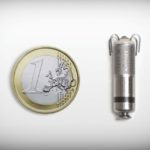 Kardiostimulátor-Micra-ve-srovnání-s-mincí